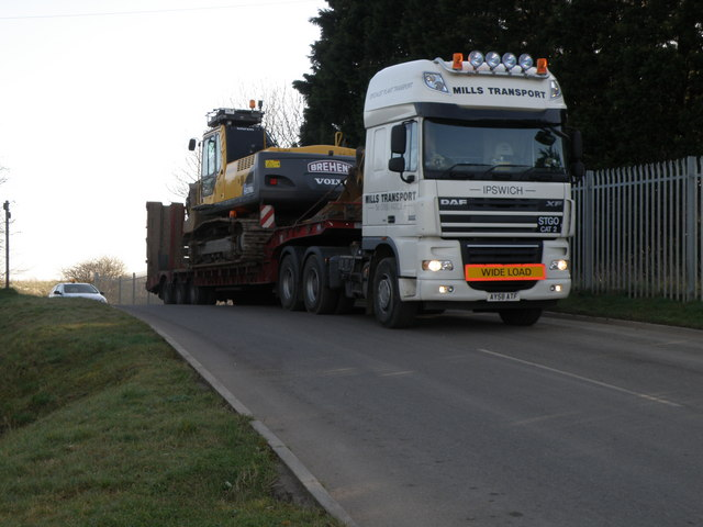Heavy plant leaving the waste disposal tip, Slippery Gowt Farm