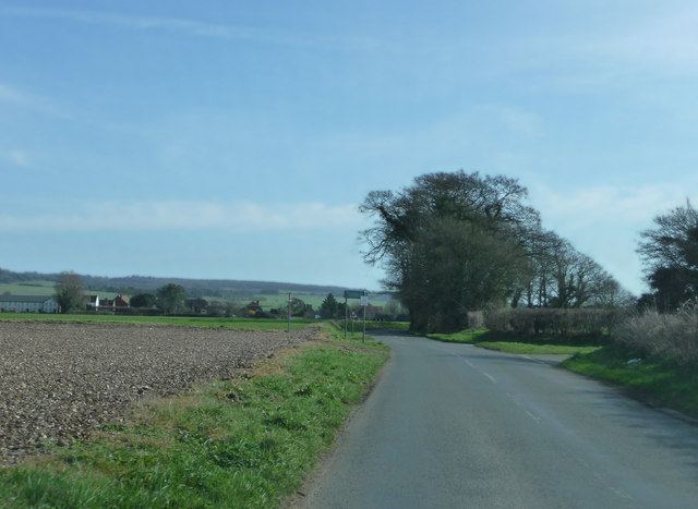 Road junction west of Mid Lavant