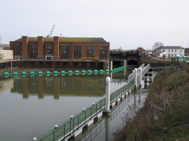 Black Sluice pumping station and floating pontoon