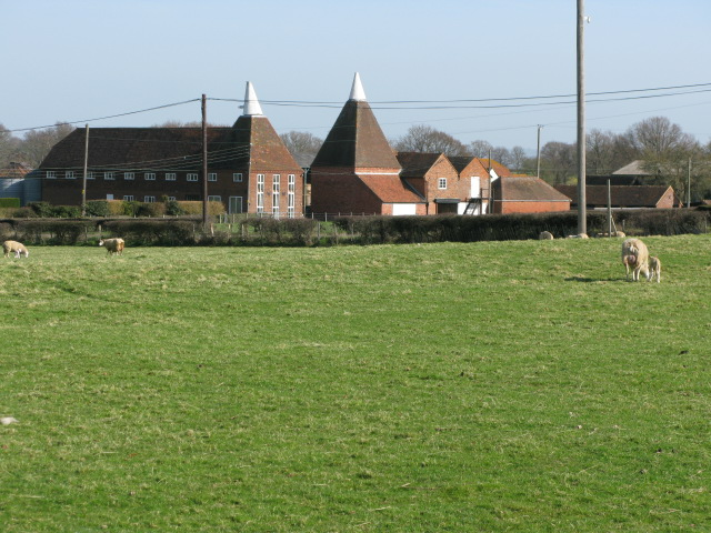 The New Oast, Lashenden Farm on the A274