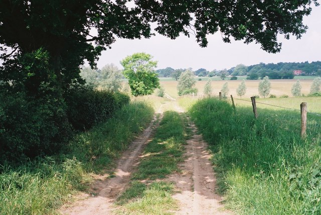 Footpath from East Bergholt to Stratford St Mary