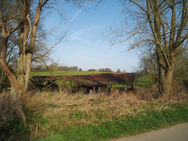 Collapsed Farm Building near Glottenham Manor