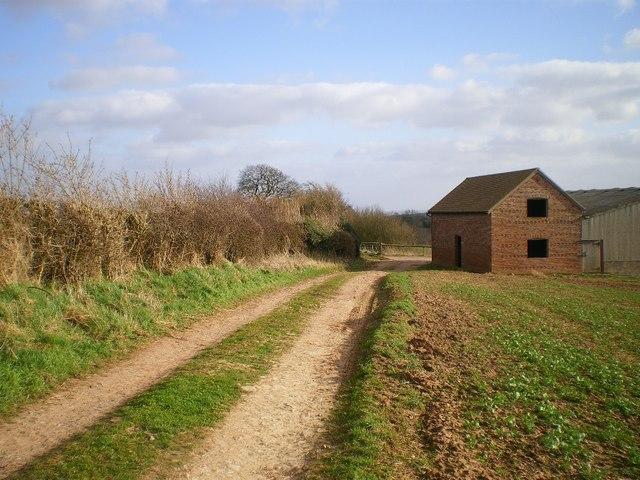 Field barn beside The Jack Mytton Way