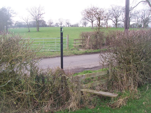 Footpath crosses Coldbridge Lane