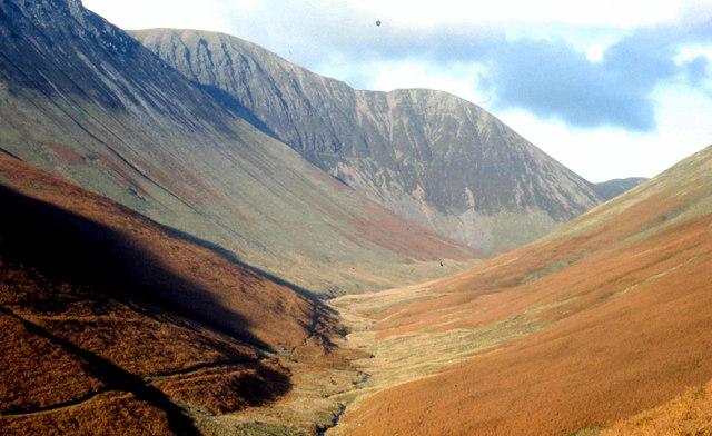Autumnal colours at  Newlands  pass