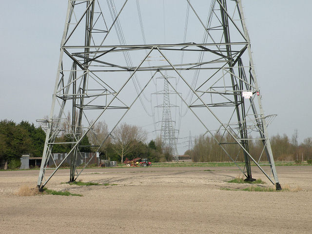 Pylons framing pylons