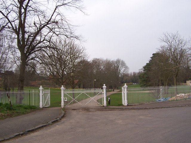 Gate to Great Linford Manor Park