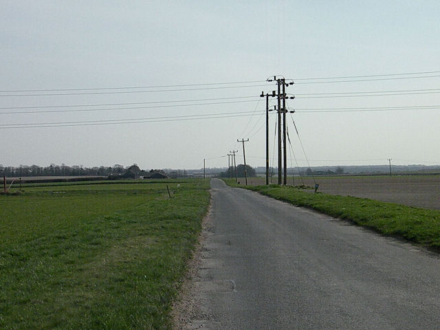 Low-voltage power lines at Heath Road