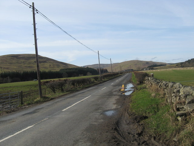 Road passing Mountbenger Farm