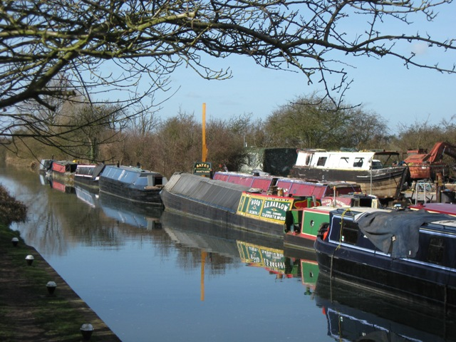 Canal Barges on the Aylesbury Arm at Bates Boatyard