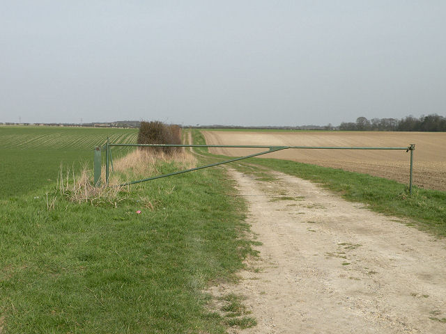 Farm track off Heath Road