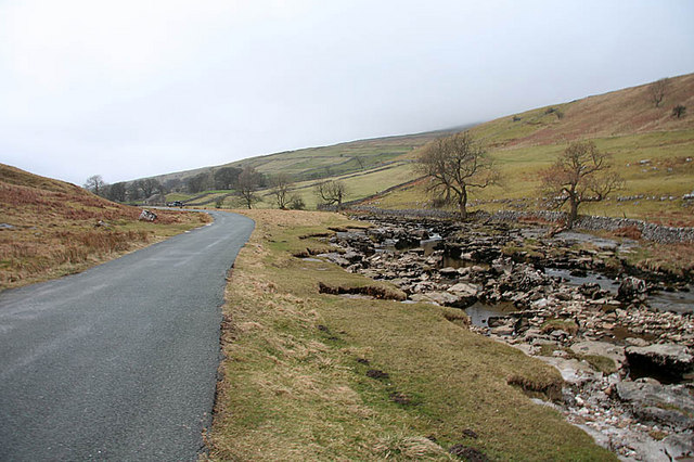 The road up Langstrothdale