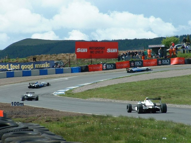 F3 racing at Knockhill