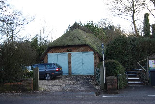 Thatched Garage, Manor Cottage, East Worldham
