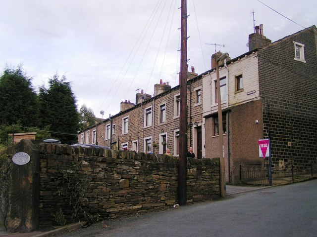 Denton Row, Holywell Brook