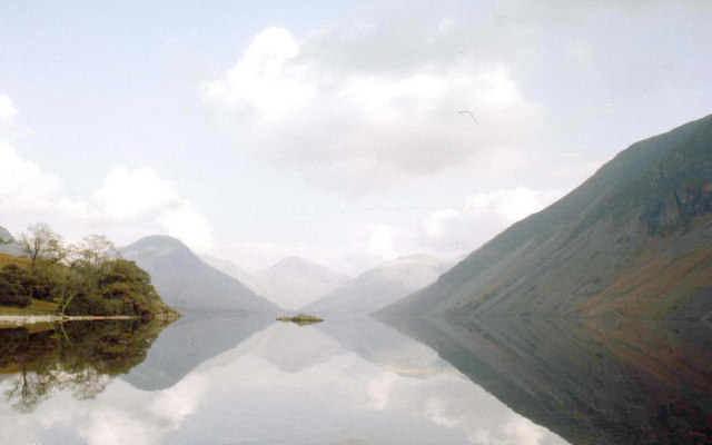Mirror calm on Wastwater