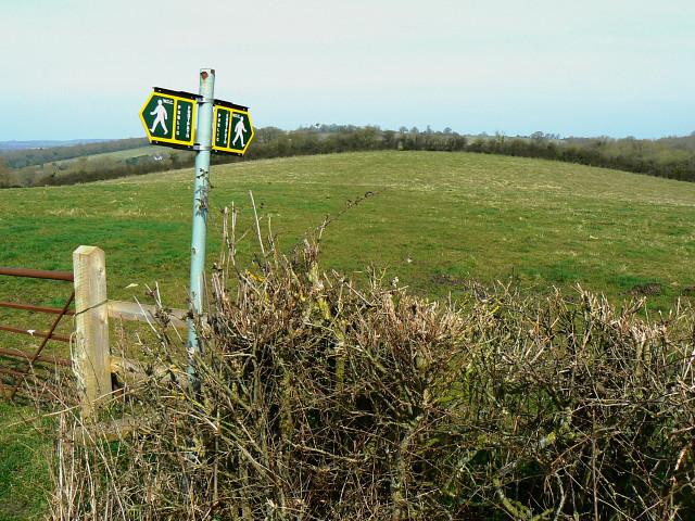 Footpath entrance, Bowd's Lane, near Lyneham