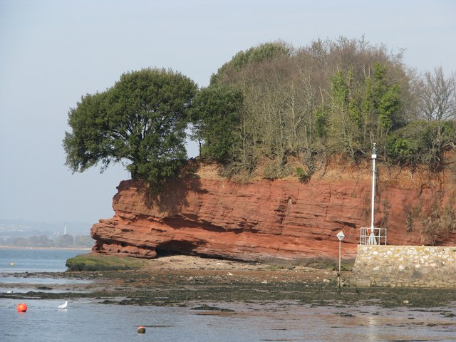 Red cliffs north of Lympstone jetty