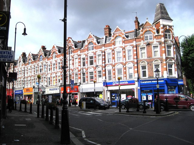 Muswell Hill Broadway at Queen's Avenue