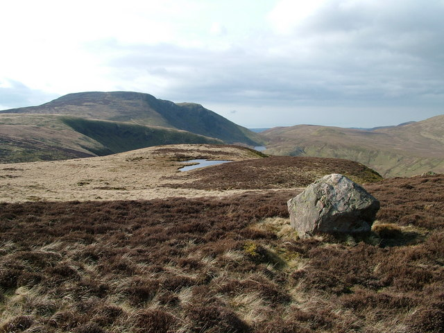 Solitary boulder and tiny tarn near the 499m top on Gale Fell