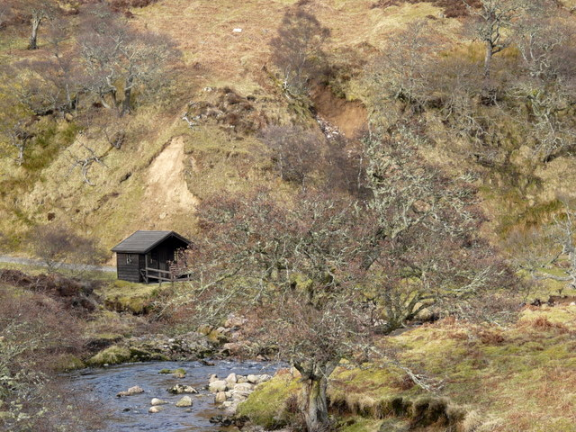 """The """"Ladies Tent"""" bothy by Langwell Water"""