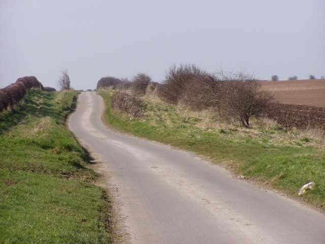 Grindale Road Heading to the A165