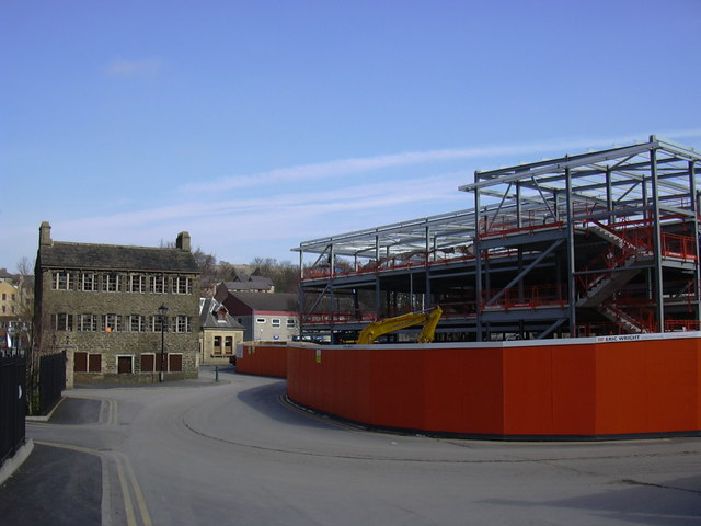 Building the new Health Hub, Bacup Road