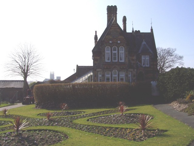 Cemetery Lodge House