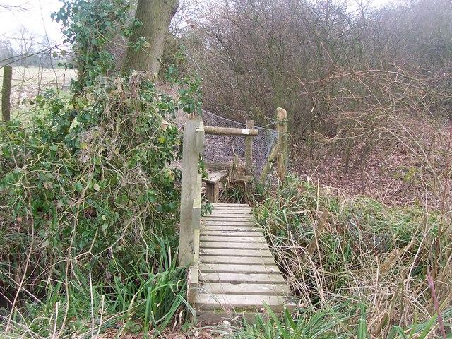 Footbridge and stile on footpath