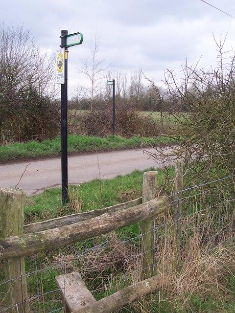 Footpath crosses Green Lane