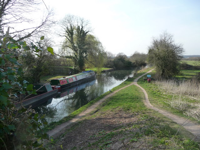 Basingstoke Canal from Colt Hill Bridge