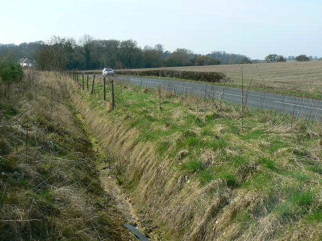 Road drain, A3102 near Tockenham