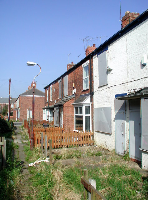 Whitby Grove, Hull