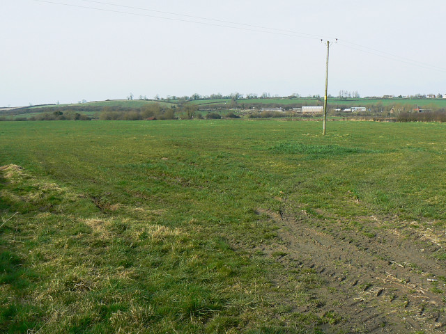 Footpath near Crew's House, near Brinkworth