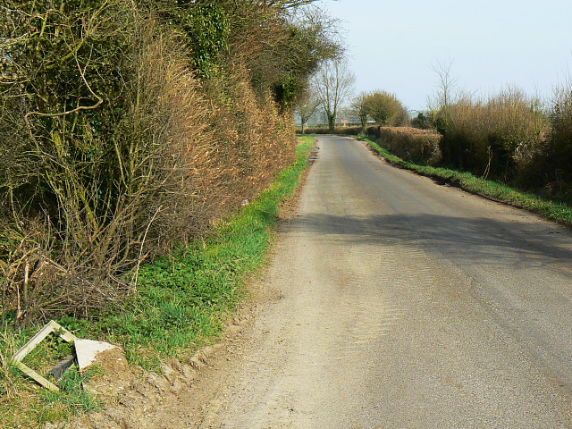 Minor road to Crew's Farm, near Brinkworth