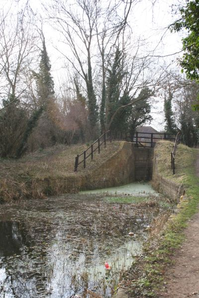 Grove top lock