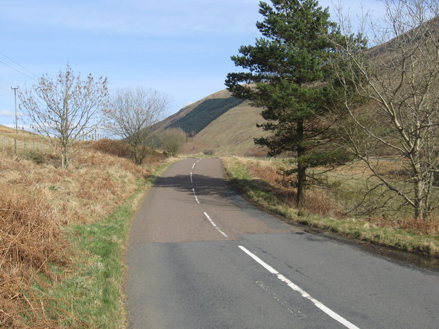 The road to Selkirk heading north-east