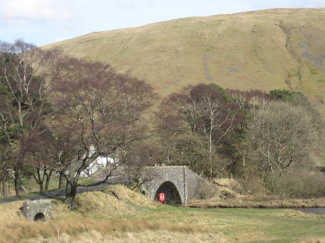 Bridging two lochs