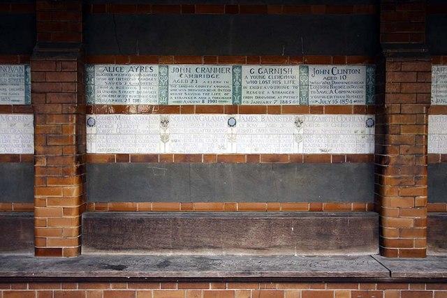 St Botolph without Aldersgate, London EC1 - Churchyard - memorial wall