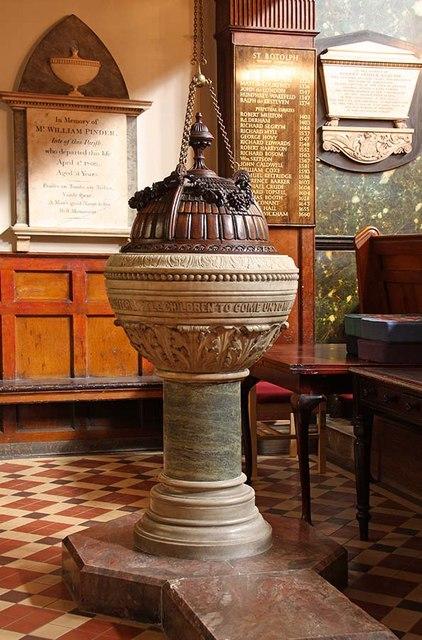 St Botolph without Aldersgate, London EC1 - Font