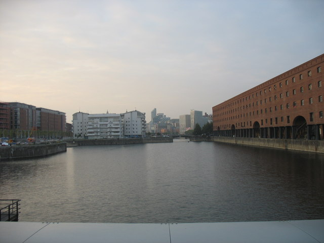 Wapping Dock from the Queen's Wharf