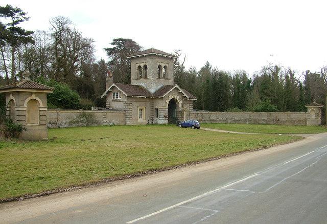 Gatehouse folly, Shrubland Hall