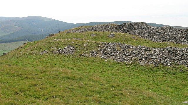 Western hill fort, Cademuir