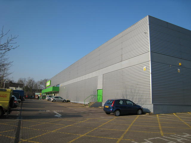 """New"" DIY Store, Emscote"