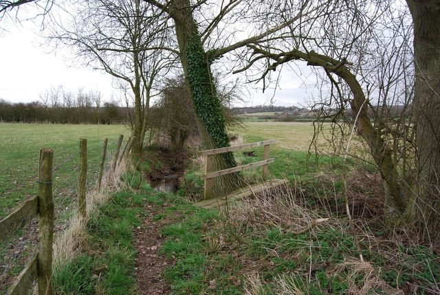 Footbridge across a stream, Parsonage Farm
