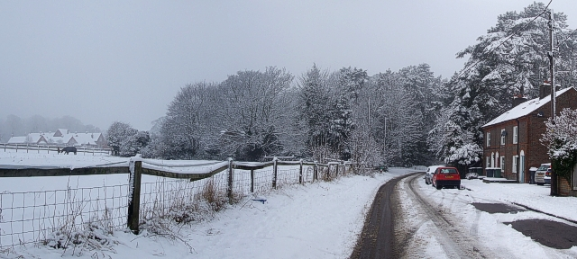 Park Road, Tring in the snow