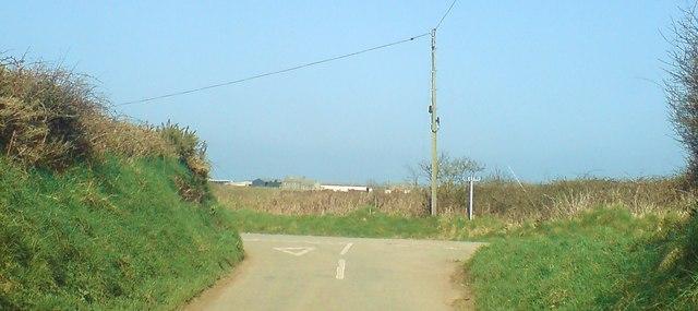 Lane junction near Caervega