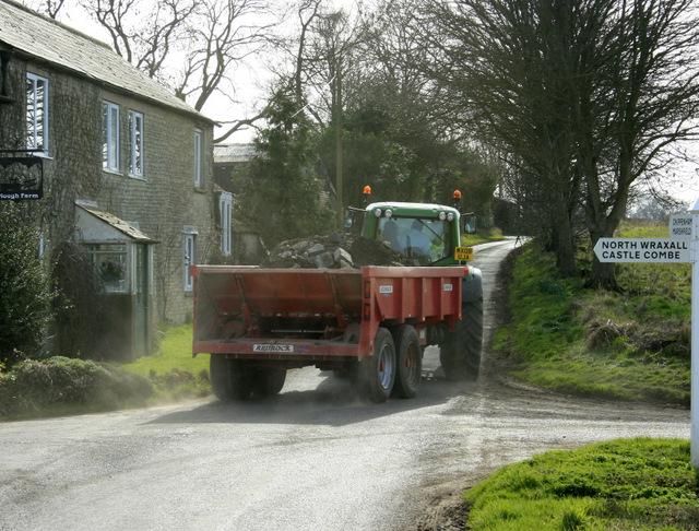 2009 : Heavy traffic near North Wraxall