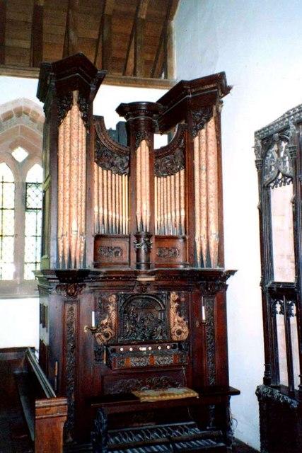 Organ at Brownsover