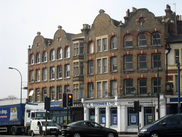 Building on Lee High Road